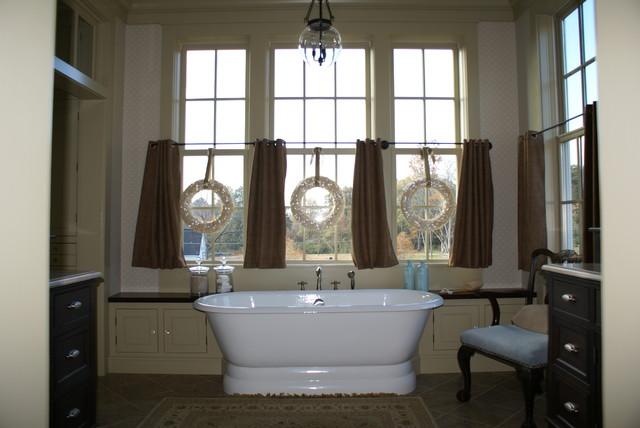 Bathtub traditional-bathroom