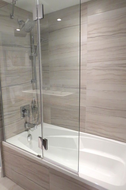 Bathtub With Glass Shower Shield