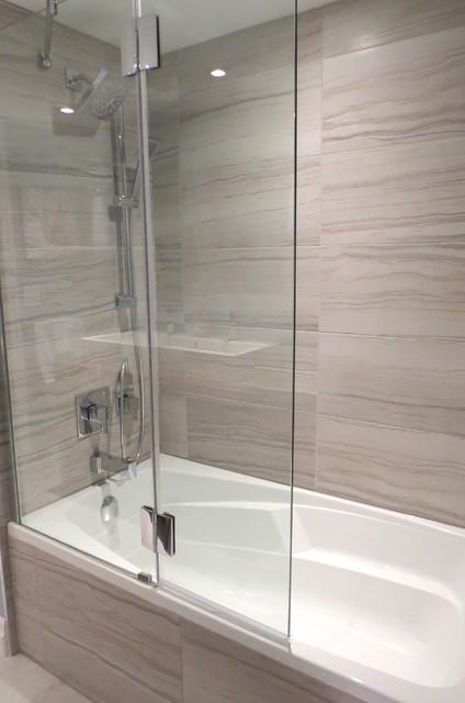 Bathtub With Glass Shower Shield