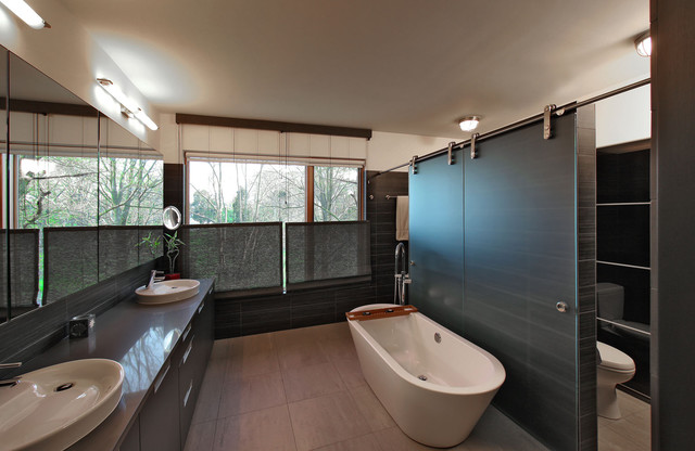 Bay House Modern Bathroom Dc Metro By Gardner Architects Llc