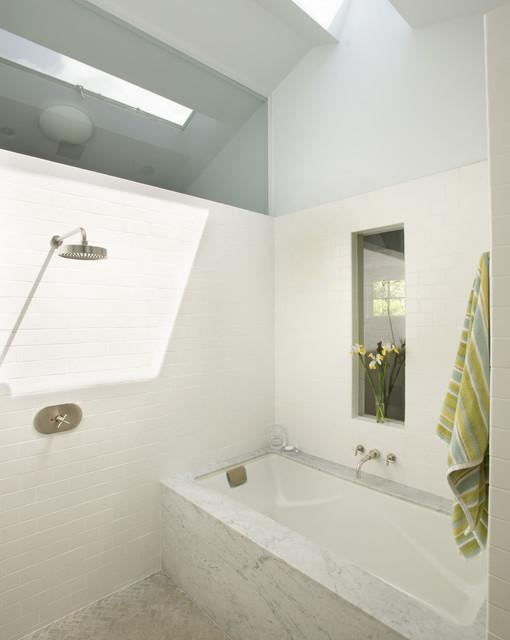 Baylor contemporary-bathroom