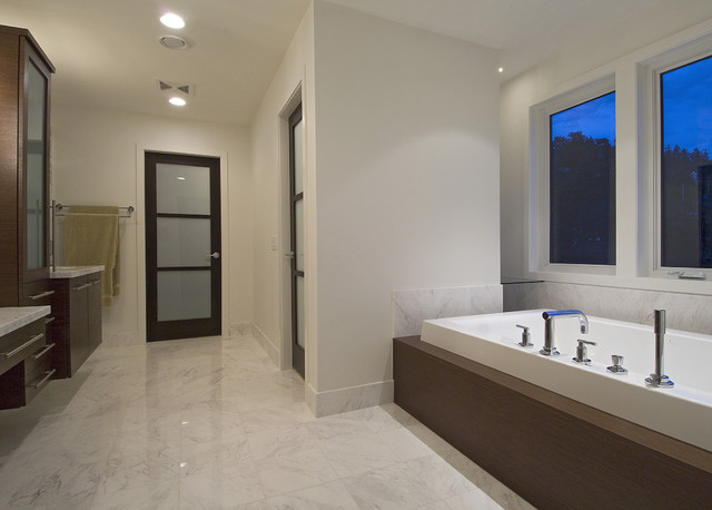 Beach house contemporary bathroom vancouver by