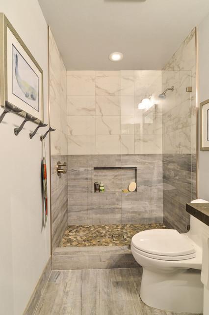 Beach stone grey coastal bathroom maritim badrum san for Caribbean bathroom ideas