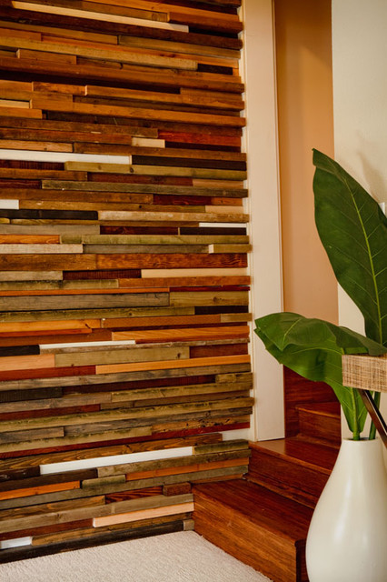 Wooden Wall Covering Up Close Diy Salvagedwood Wall