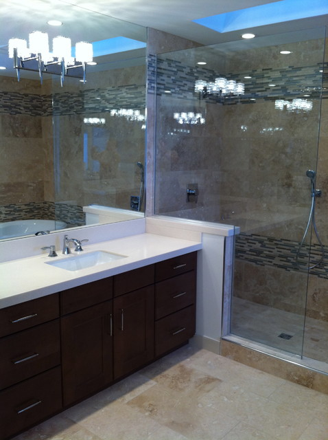 Bearspaw Master Bedroom Ensuite contemporary bathroom