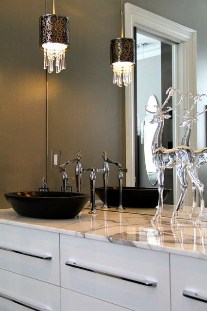 Beautiful High End Barrie Home Contemporary Bathroom
