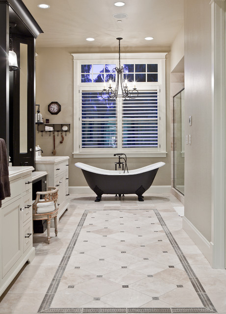 Beaver Lake Retreat By Design Guild Homes Traditional Bathroom