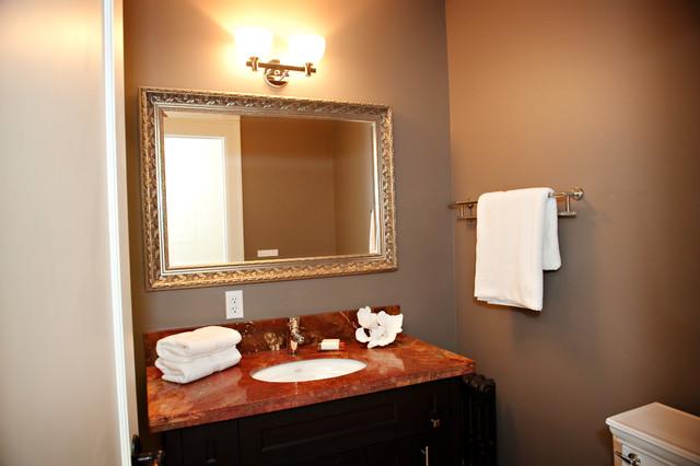 Bed & Breakfast traditional-bathroom