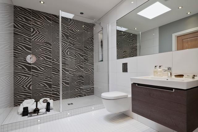 Beechwood manor modern bathroom for Beechwood home designs