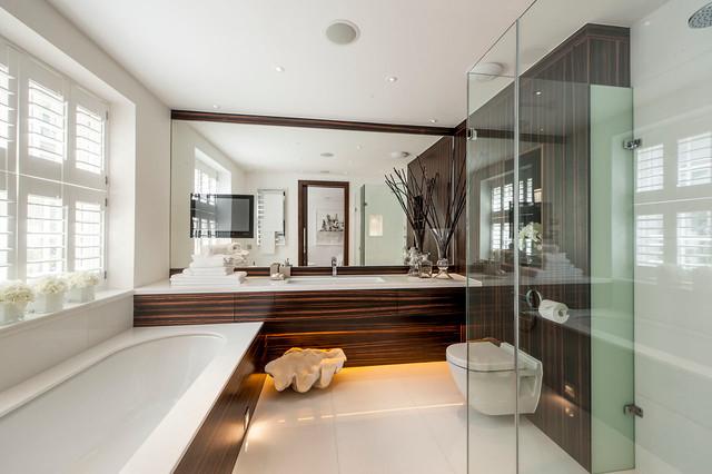 Belgrave Mews North contemporary-bathroom