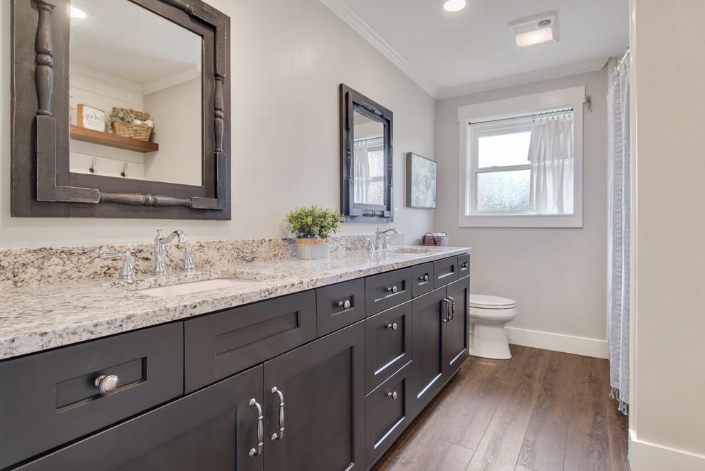 Belle Chasse Famhouse - Farmhouse - Bathroom - New Orleans ...