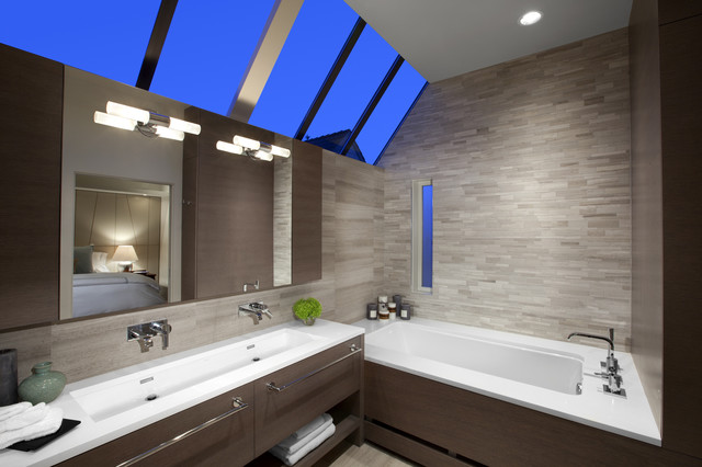 modern bathroom by Best Builders ltd