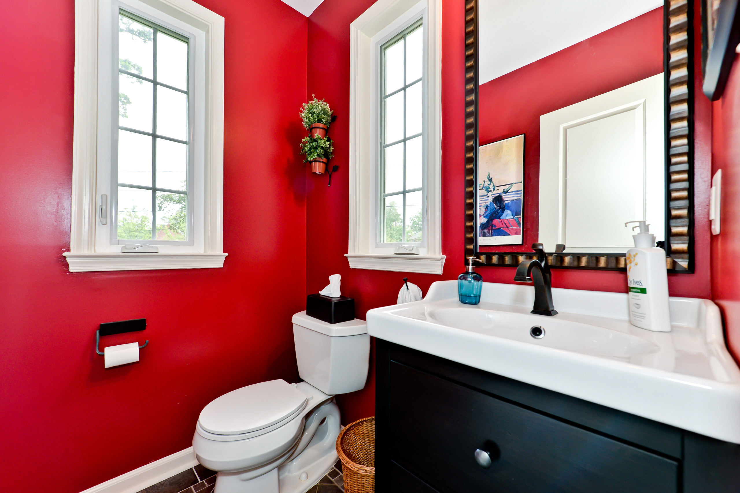 75 Beautiful Red Bathroom Pictures Ideas May 2021 Houzz