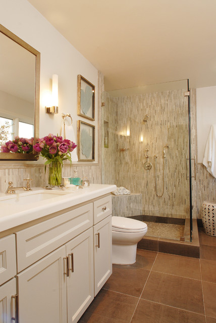 Beverly hills family dwelling classique salle de bain for Salle de bain in english