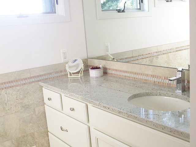 Bianco Romano Granite Bathroom
