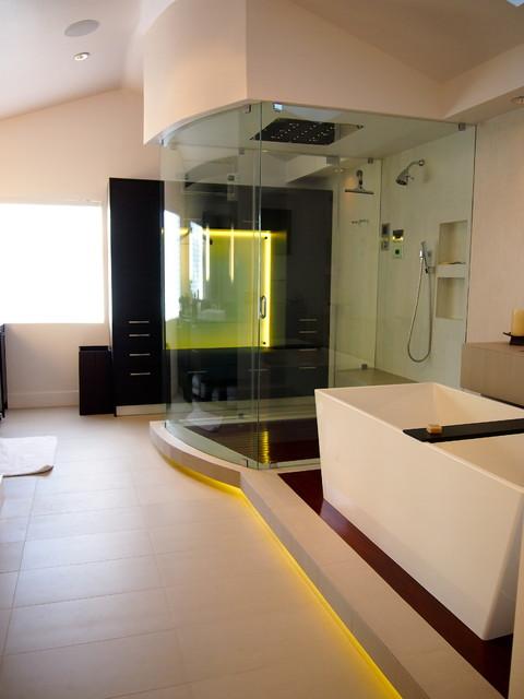 Big Boy Masterbath Modern Bathroom Los Angeles By