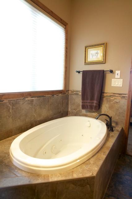Bismarck, ND traditional-bathroom