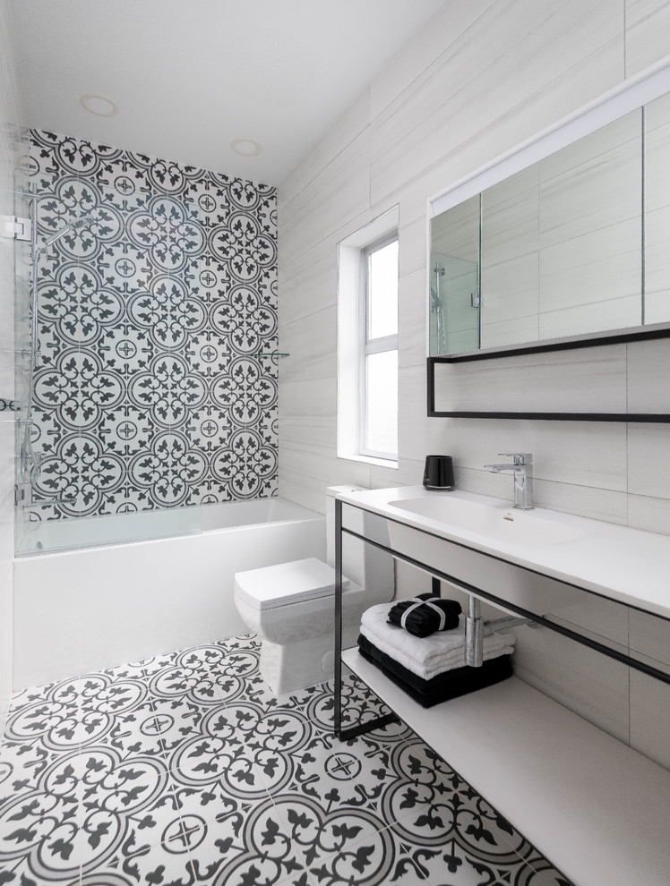 black and white bathroom design with Spanish tiles and ...
