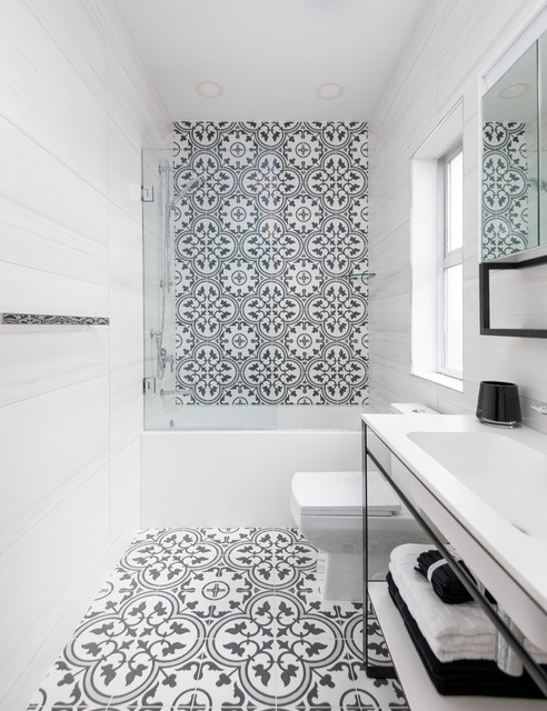 Black And White Bathroom Design With Spanish Tiles And