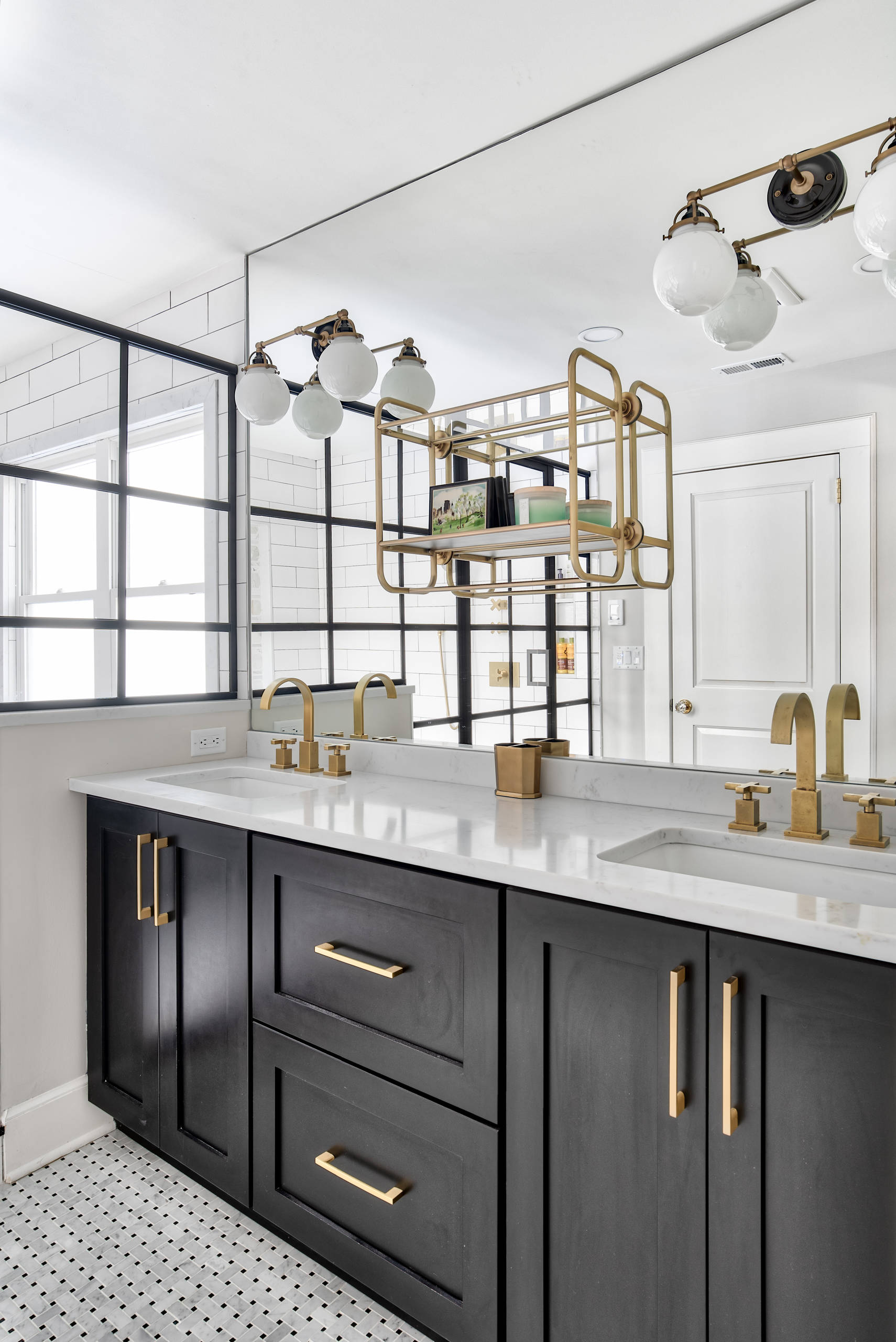 10 Beautiful Modern Bathroom With Black Cabinets Pictures & Ideas