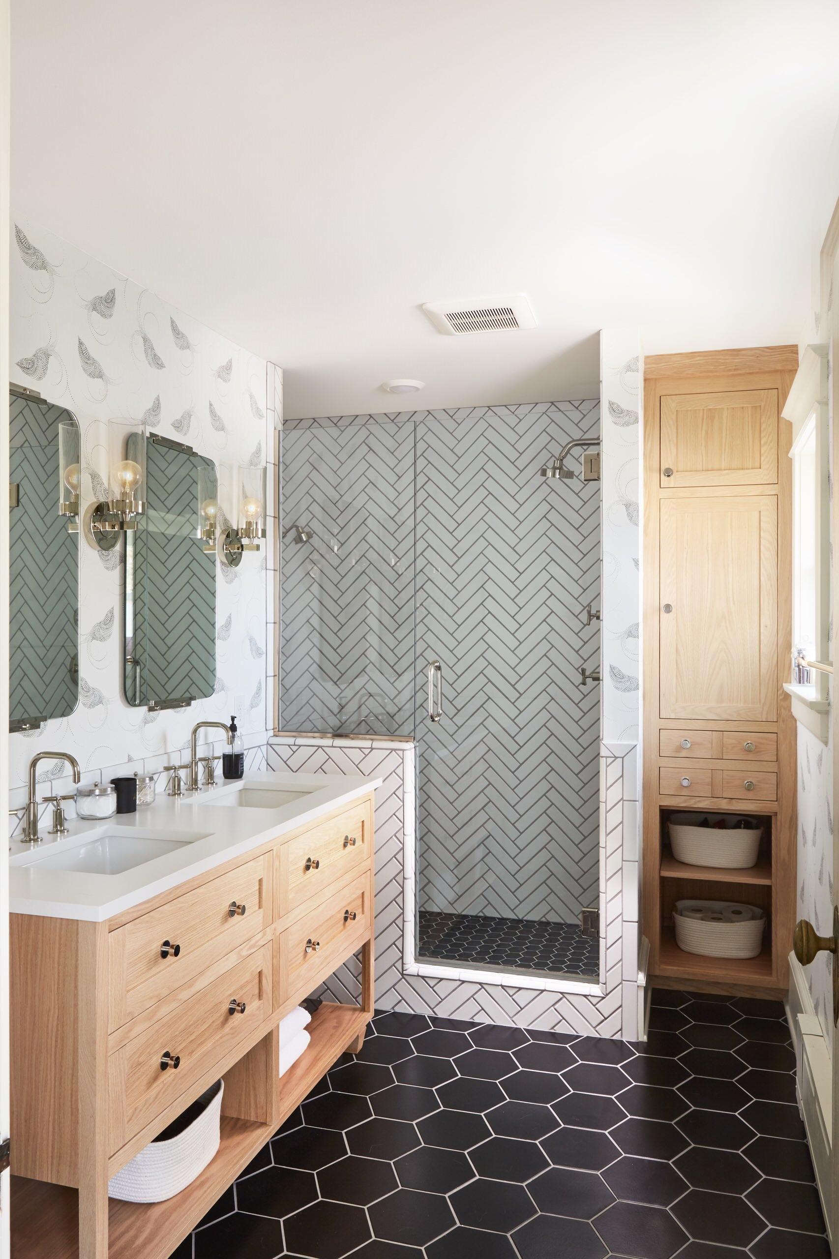 75 Beautiful Wallpaper Bathroom Pictures Ideas April 2021 Houzz