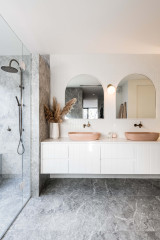 What the 10 Most-Saved Bathrooms This Year Tell Us