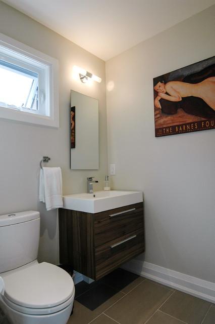 Blackcreek Village House contemporary-bathroom
