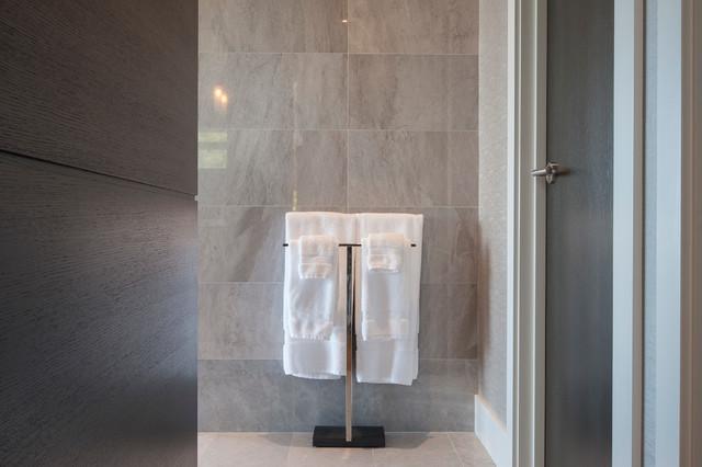 blomus menoto free standing towel bar modern. Black Bedroom Furniture Sets. Home Design Ideas