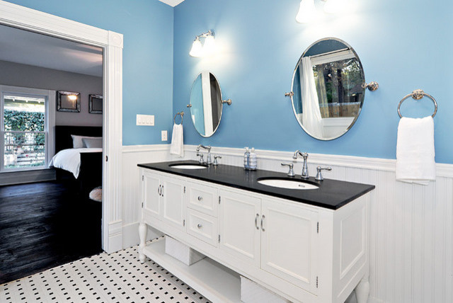 Blue and white master bath for Blue and black bathroom ideas