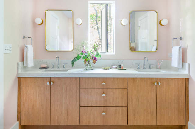 What S Popular In Sinks Mirrors And Lighting In Master Baths