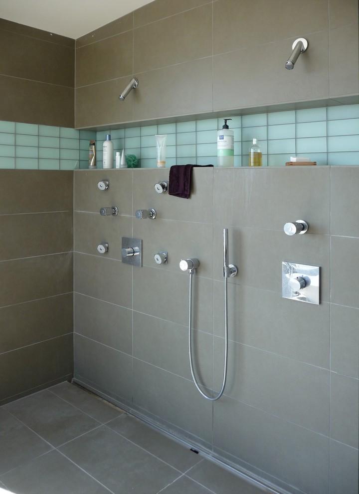 Double shower - modern double shower idea in San Francisco