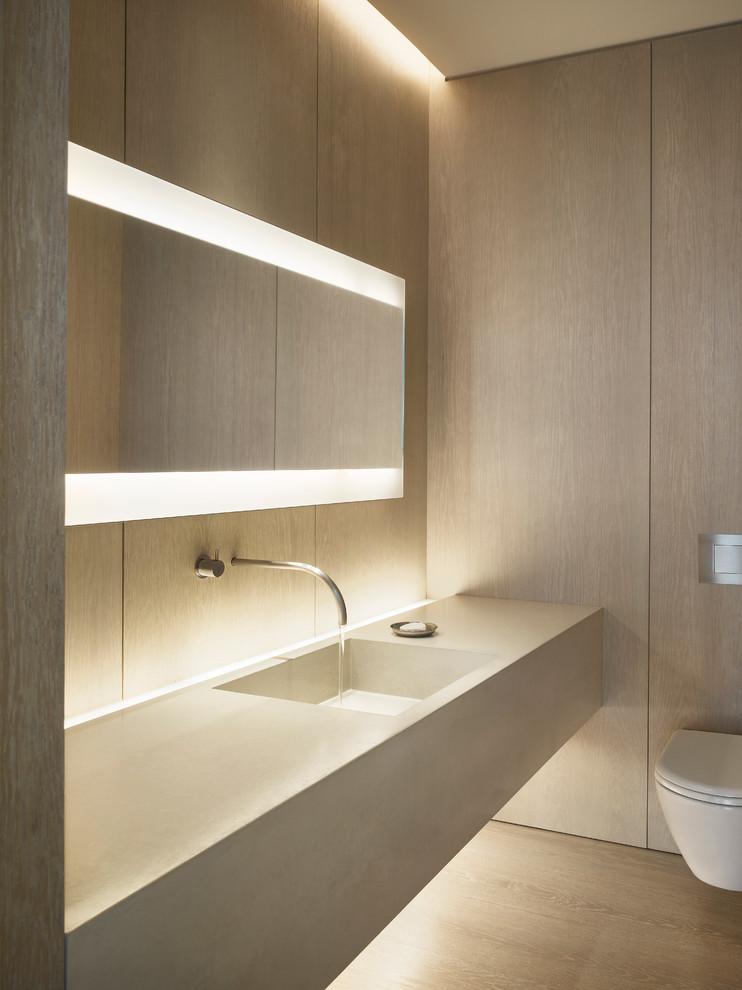 Bathroom - contemporary bathroom idea in New York