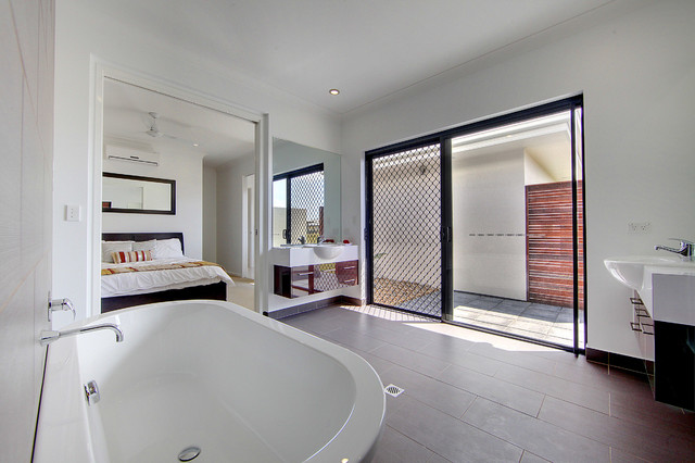 Bonnett road townsville display home for Bathroom cabinets townsville
