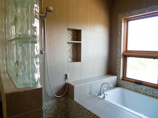 .Boulder River Cabin-McLeod Montana contemporary-bathroom