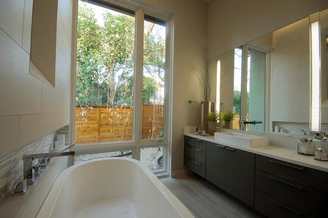 Bowman Residence Bath contemporary-bathroom