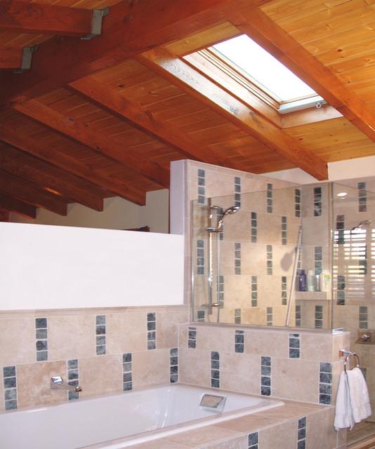 Boyle-Lopez House bathroom