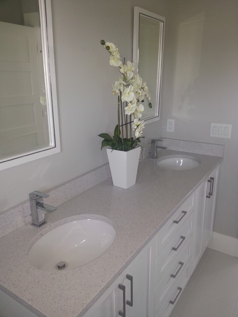Bradenton Beach 203 17th St Beach Style Bathroom Other By Total Interior Solutions