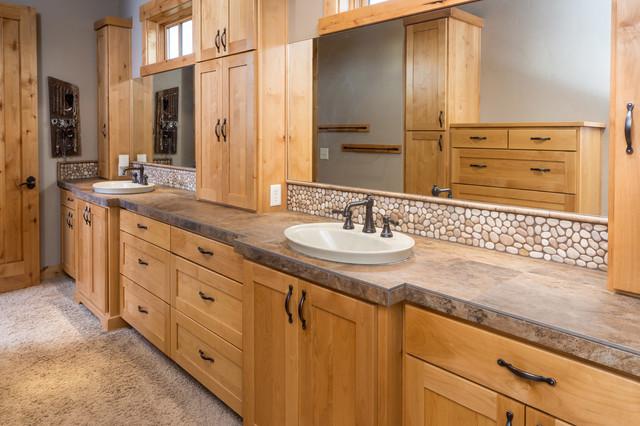 Brasada ranch home master bath suite full view rustic for Ranch style bathroom ideas