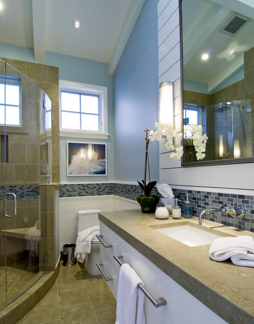 Breakers Beach House contemporary bathroom