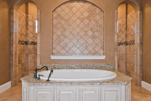 Breawood traditional-bathroom