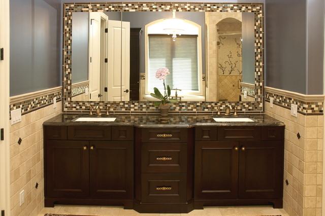 Brenda Schultz, Designer traditional-bathroom