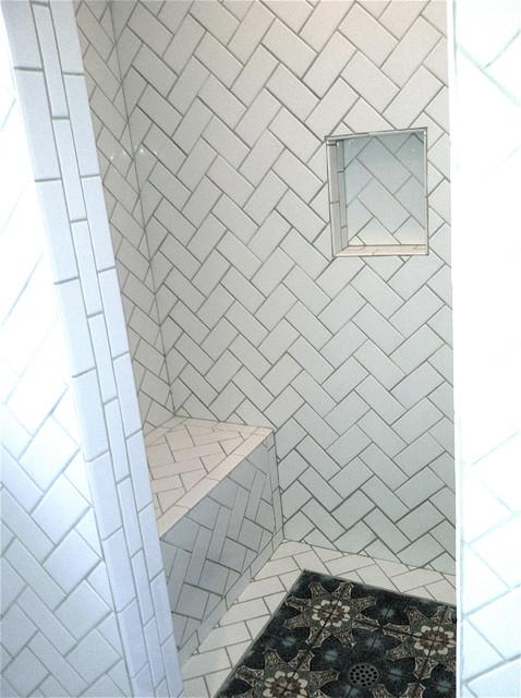 Brenner / Los Feliz traditional-bathroom