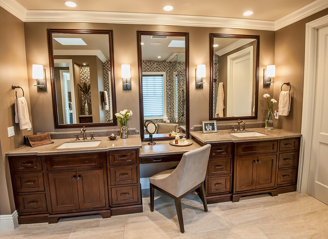Brentwood Traditional 2 traditional-bathroom