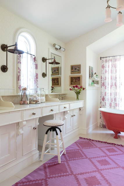 Bright English Beach Cottage Eclectique Salle De Bain