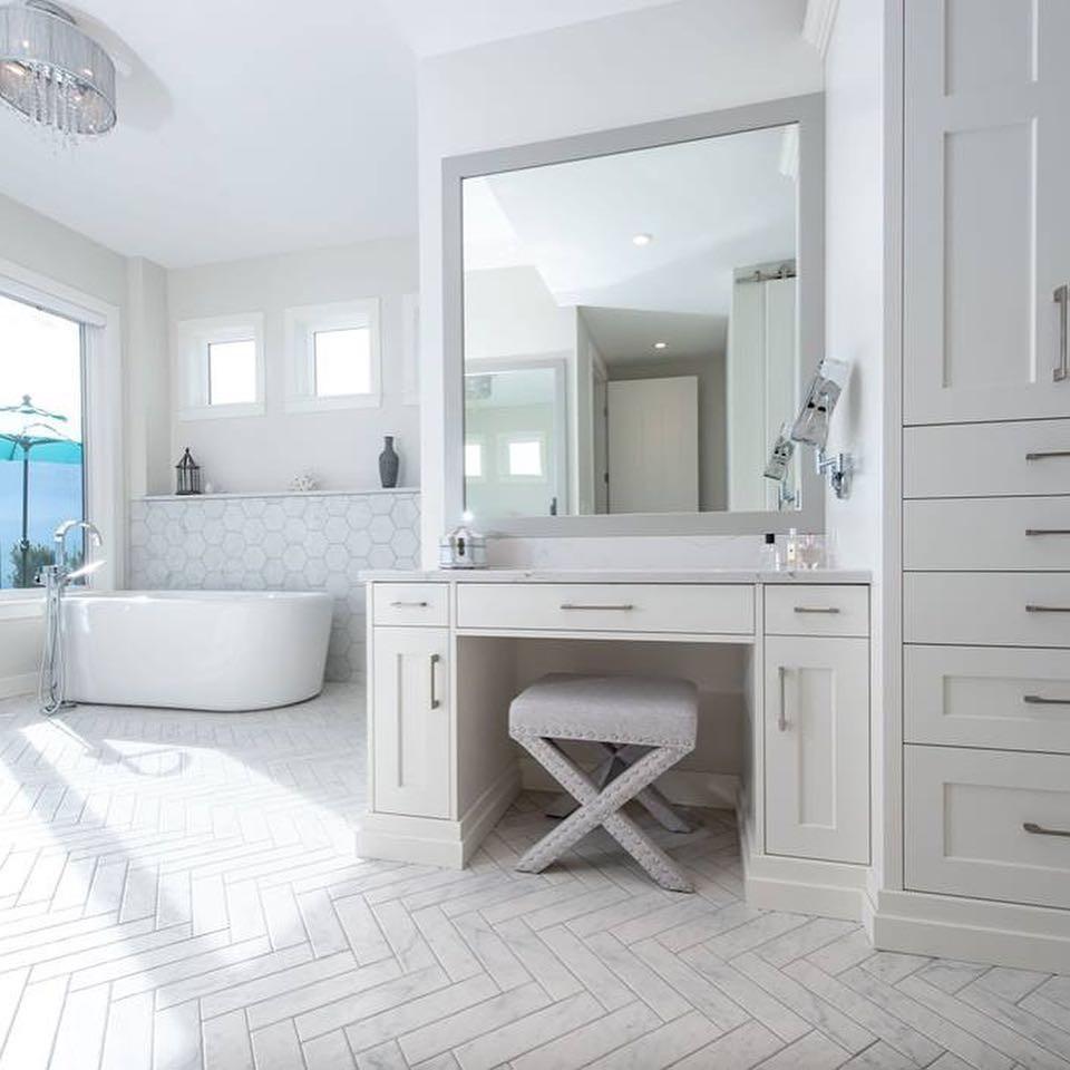 Trendy master porcelain tile porcelain tile bathroom photo in Other