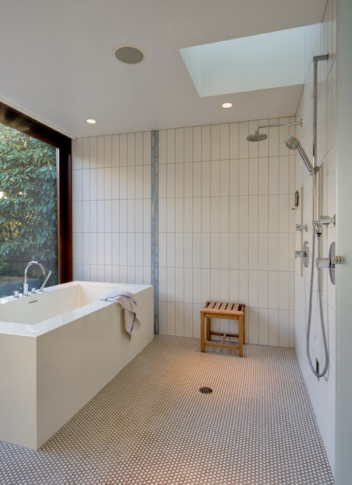 Photo By David Coleman / Architecture   More Modern Bathroom Ideas