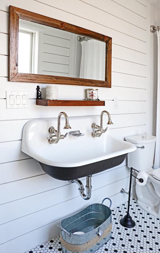 Brockway Sink Farmhouse Bathroom Longport Nj Farmhouse Bathroom Philadelphia By Lolio Architect Houzz