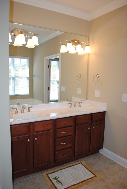 Brookstone traditional-bathroom