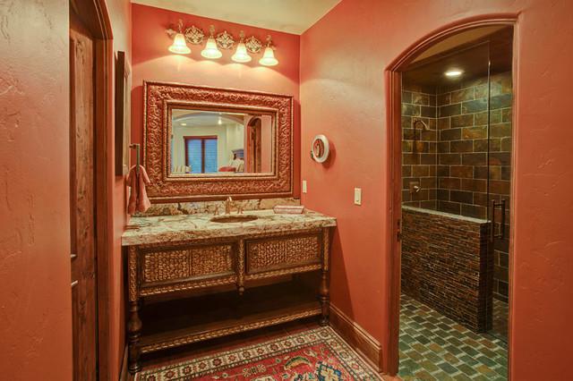 Brownhouse mediterranean-bathroom