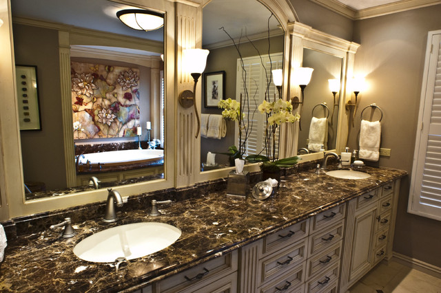 Brownhouse Design traditional-bathroom